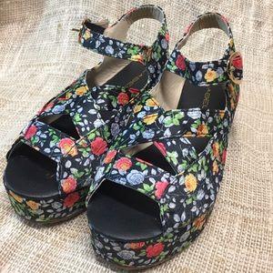 C. LABEL Shoes Wedge Platform Black Floral
